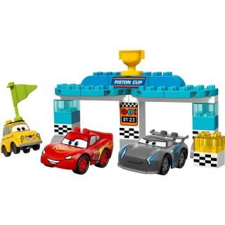 LEGO DUPLO - Závod o Zlatý píst