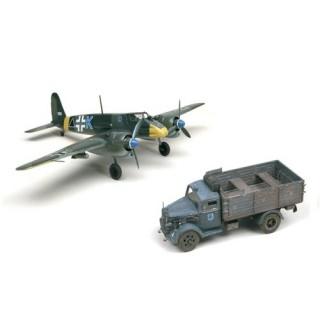 Supermodel letadlo a military 10-502 - HS129 & KFZ.305 3 TONS TRUCK (1:48)
