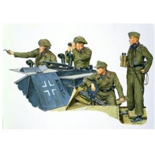 Model Kit figurky 6029 - GERMAN STURMARTILLERY CREW (1:35)