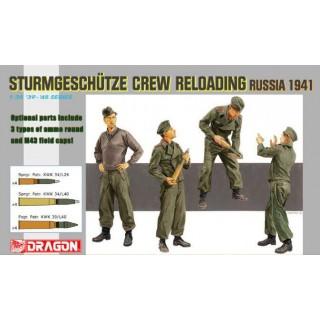 Model Kit figurky 6192 - STURMGESCHÜTZ CREW RELOADING (1:35)