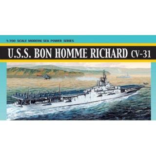 Model Kit loď 7063 - U.S.S. BON HOMME RICHARD CV-31 (KOREAN WAR) (1:700)