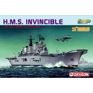 Model Kit loď 7072 - H.M.S. INVINCIBLE (PREMIUM EDITION) (1:700)