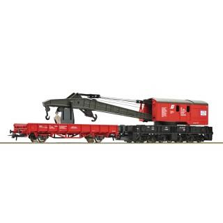 Jeřábový nákladní vagón s ochranným vagónem