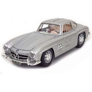 Bburago Mercedes-Benz 300 SL 1954 1:18 stříbrná metalíza