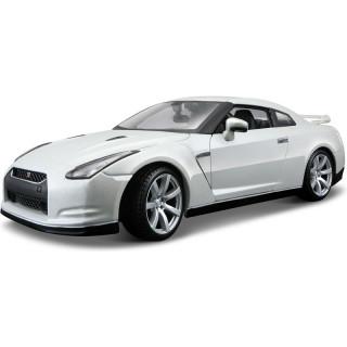 Bburago Nissan GT-R 2009 1:18 bílá perleť