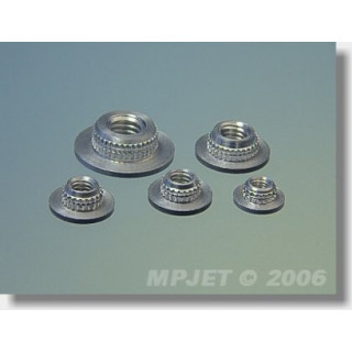 1023 Upevňovací matice M4 - nízká 10 ks