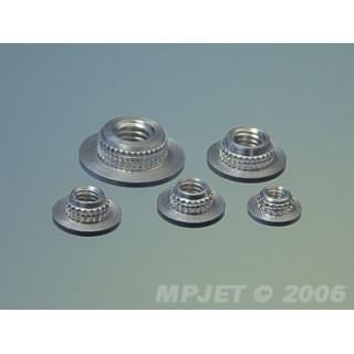 1022 Upevňovací matice M4 nízká 4ks
