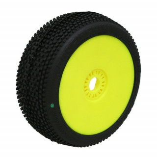 HOT DICES (soft/zelená směs) Off-Road 1:8 Buggy gumy nalep. na žlutých disk. (2ks.)