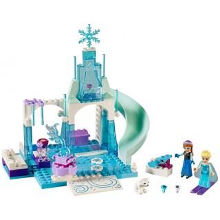 LEGO Juniors - Ledové hřiště pro Annu a Elsu