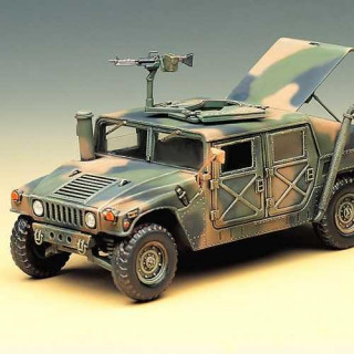 Model Kit military 13241 - M-1025 ARMORED CARRIER (1:35)