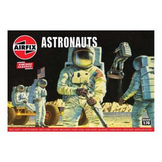 Classic Kit vesmír A00741V - Astronauts (1:76)