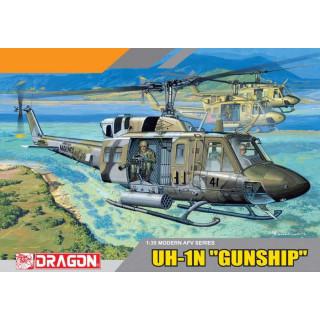 "Model Kit vrtulník 3540 - UH-1N ""GUN SHIP"" (1:35)"